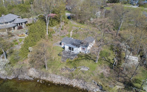 Homes and land for sale in Kingston - 1596 St. Lawrence Avenue