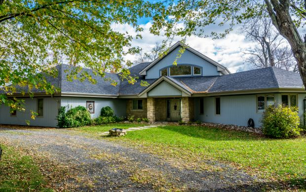 House for sale on Howe Island - 568 Spithead Road