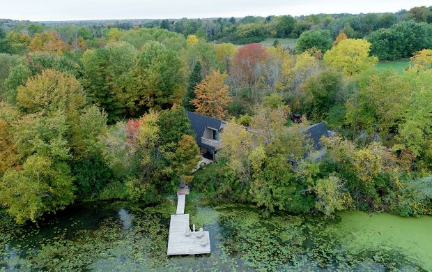 Waterfront homes for sale in Kingston Ontario - 477 Aragon Road