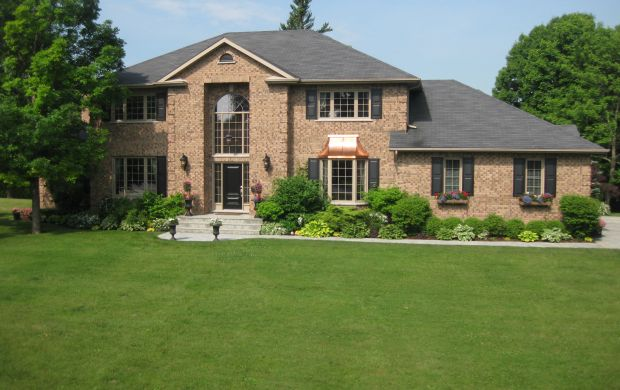 Homes for sale in Kingston Ontario - 650 Woodland Place