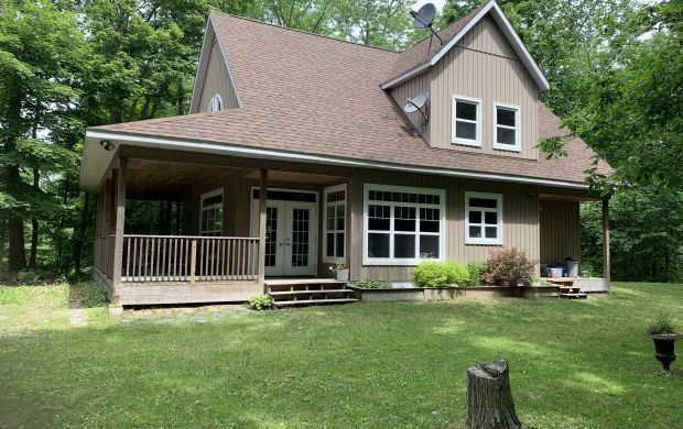 1124 North Shore Road - Exclusive Listing!