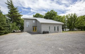 Waterfront homes for sale on Wolfe Island - 171 Helen's Road