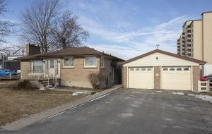 Homes for sale in Kingston Ontario - 1636 Bath Road