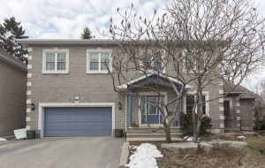 House for sale in Kingston - 31 Vandalay Crescent